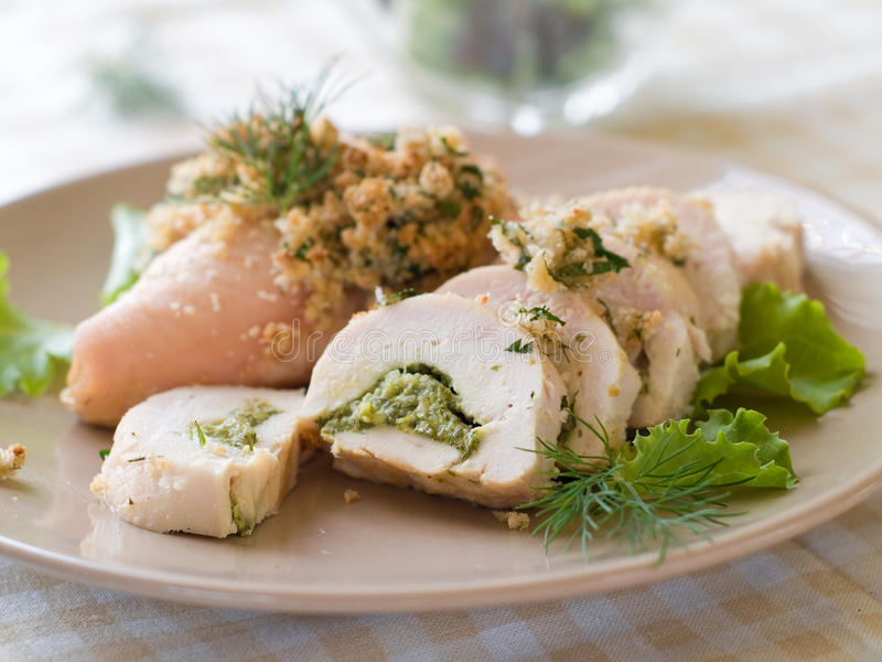 Angefüllte Hühnerbrust lizenzfreies stockfoto