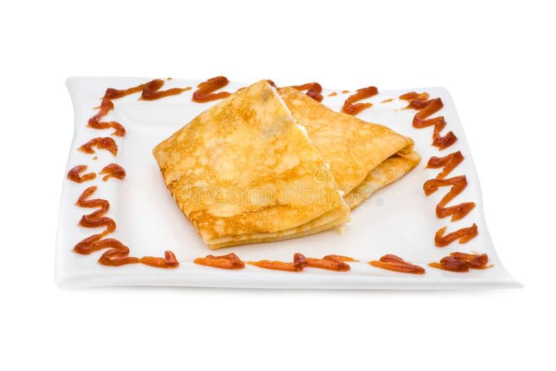 Angefüllte Pfannkuchen auf Weißabschluß oben lizenzfreies stockfoto