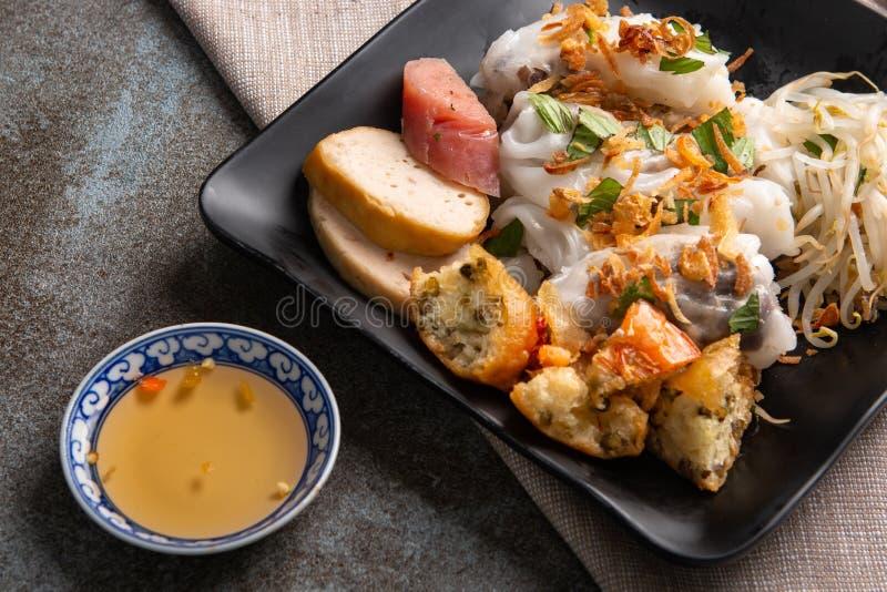 Angefüllter Pfannkuchen Banh Cuon oder gedämpfter gerollter Reispfannkuchen Einfach, gesund und köstlich, ist banh Cuon muss w stockbild