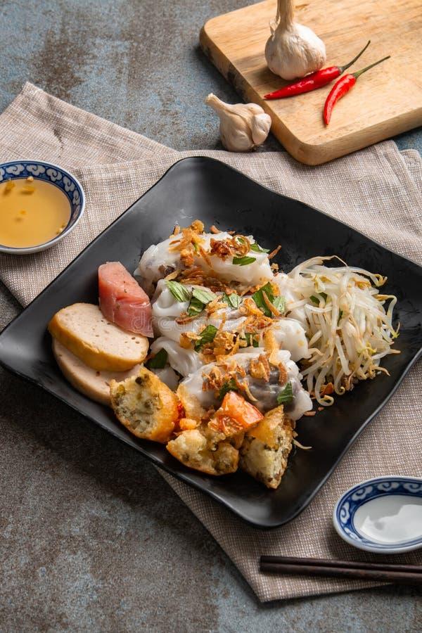 Angefüllter Pfannkuchen Banh Cuon oder gedämpfter gerollter Reispfannkuchen Einfach, gesund und köstlich, ist banh Cuon muss w stockbilder