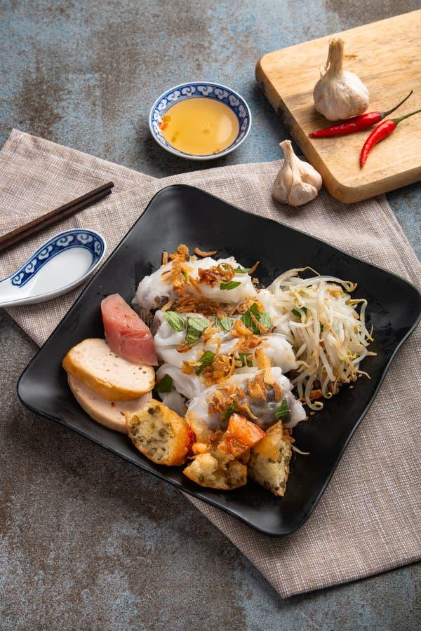 Angefüllter Pfannkuchen Banh Cuon oder gedämpfter gerollter Reispfannkuchen Einfach, gesund und köstlich, ist banh Cuon muss w lizenzfreie stockbilder
