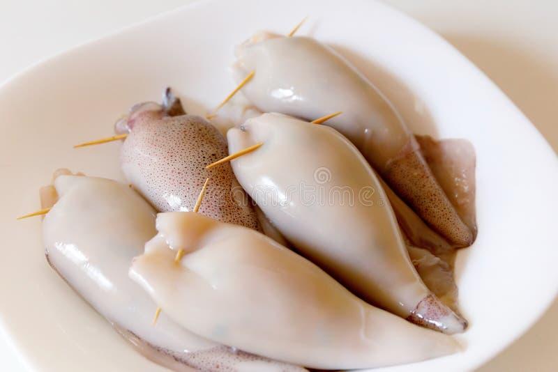 Angefülltes Kalmar vorbereitetes rohes stockbilder