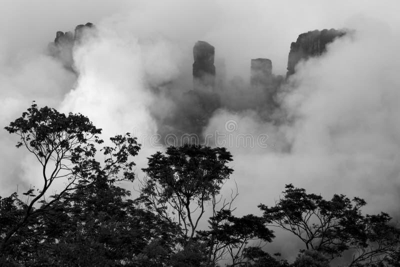Angel Falls en el cielo en Venezuela imagen de archivo