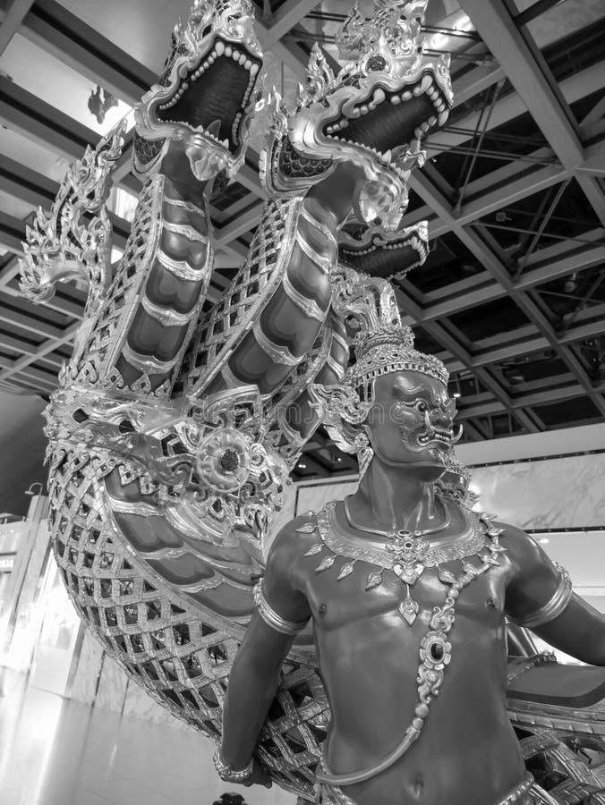 Angel Giant Statue är på slutet av Nagafartyget arkivfoto