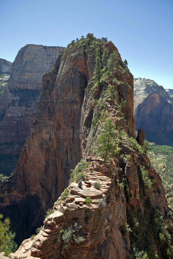 Download Angel's Landing Zion Canyon Editorial Photo - Image of canyon, climb: 16058366