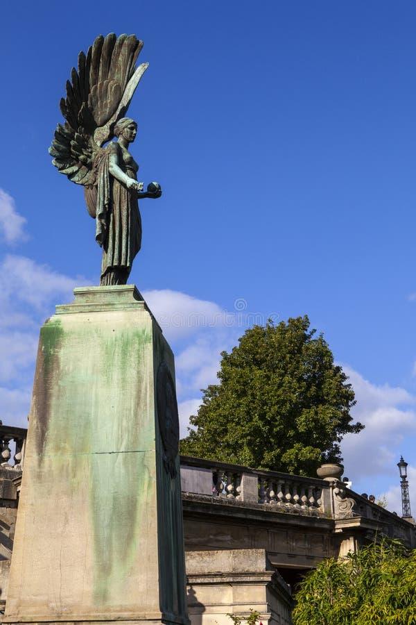 Angel Statue ai giardini di parata nel bagno immagini stock