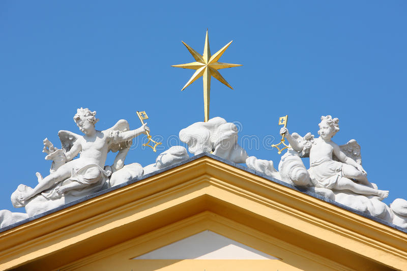 Download Angel Statue On Roof Royalty Free Stock Image - Image: 30178286