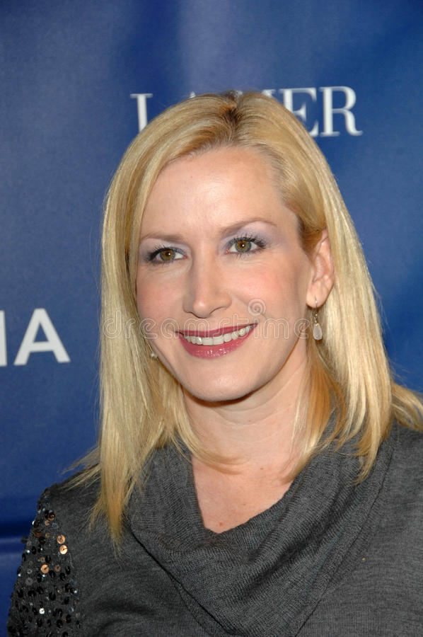 Download Angela Kinsey redaktionelles stockfoto. Bild von partner - 26356188