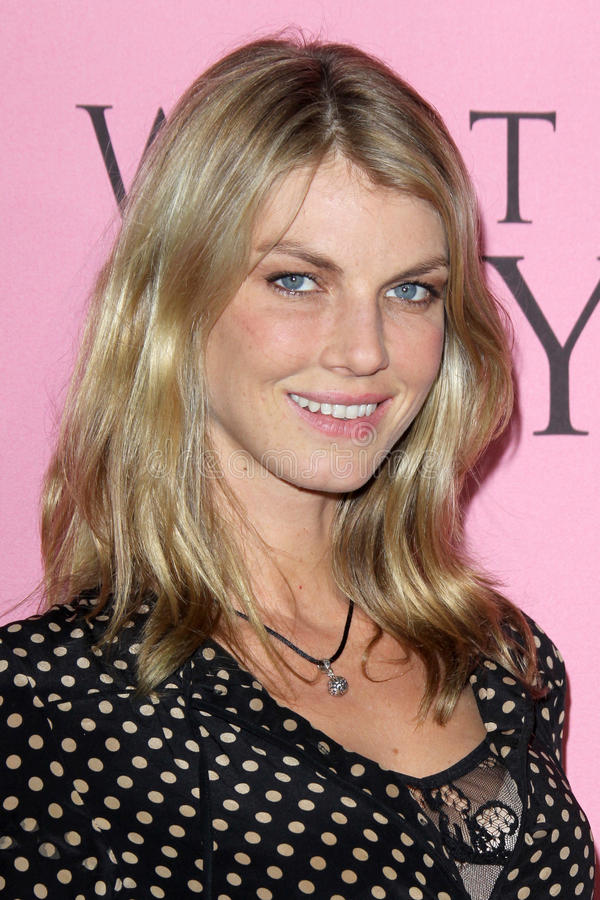 Angela Lindvall obtient à Victoria's Secret ce qui est sexy ? Réception photos stock