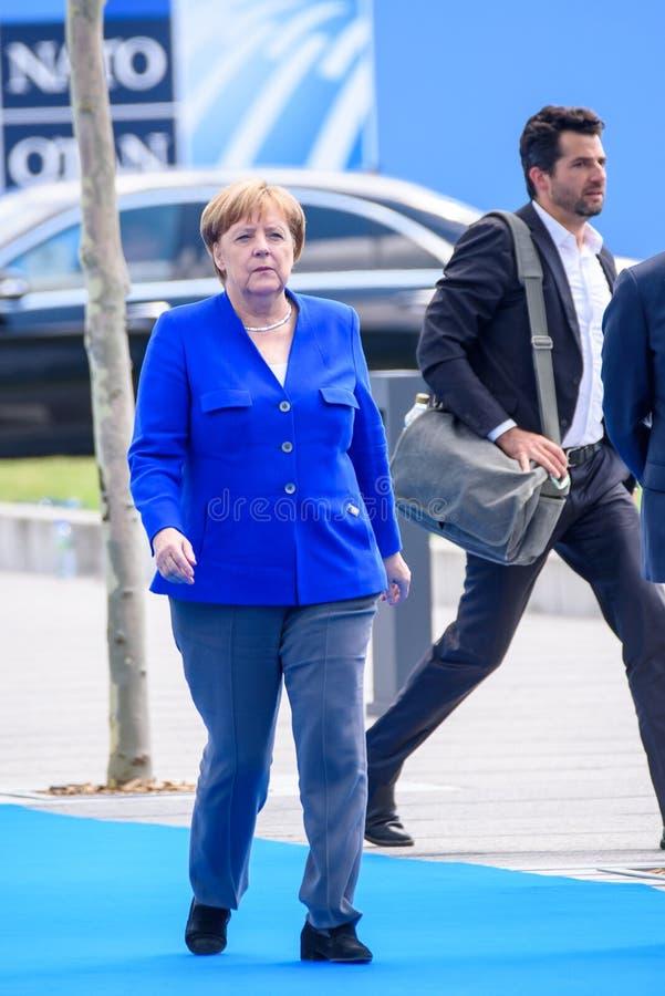 Angela Merkel, canciller de Alemania, durante llegada a la CUMBRE de OTAN 2018 fotografía de archivo libre de regalías
