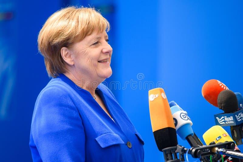 Angela Merkel, canciller de Alemania, durante llegada a la CUMBRE de OTAN 2018 fotos de archivo