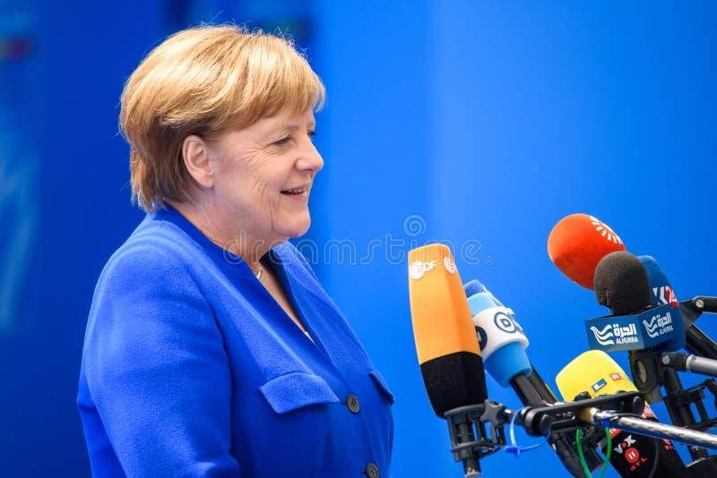Angela Merkel, canciller de Alemania, durante llegada a la CUMBRE de OTAN 2018 imágenes de archivo libres de regalías