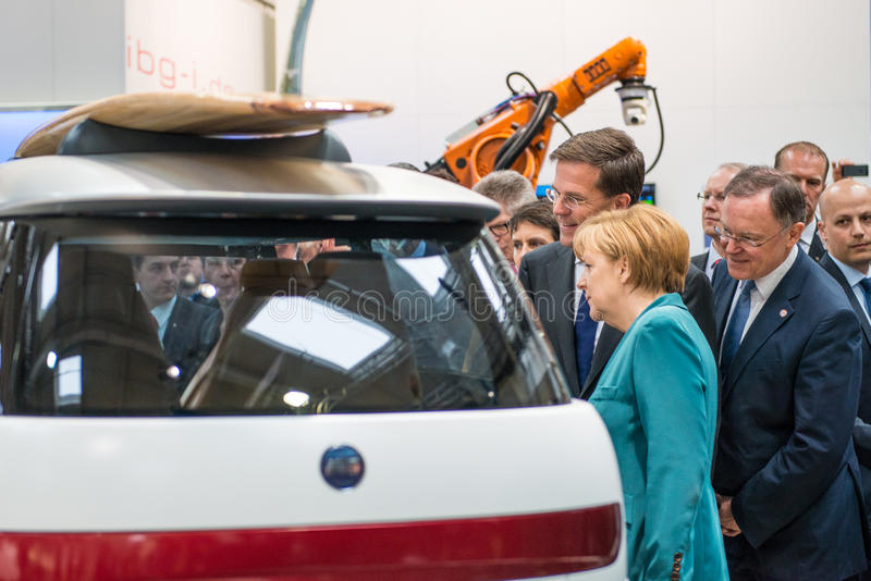 Angela Merkel et Mark Rutte à Hanovre Messe, le 7 avril 2014 photo stock