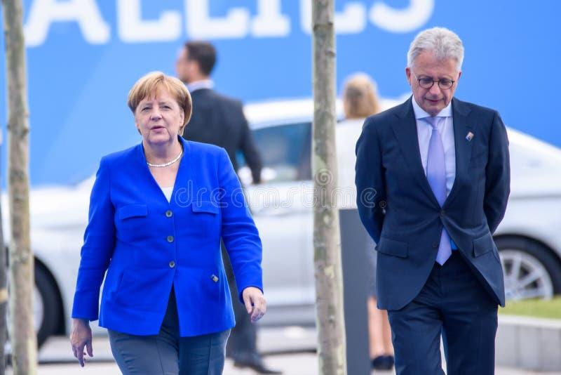 Angela Merkel, Kanselier van Duitsland, tijdens aankomst aan de NAVO TOP 2018 stock afbeeldingen