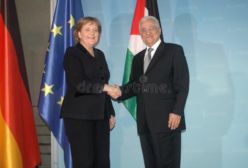 Angela merkel, Mahmud Abbas zdjęcia stock
