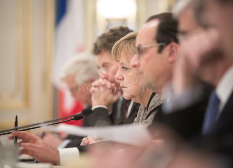Angela Merkel und Francois Hollande stockfotos