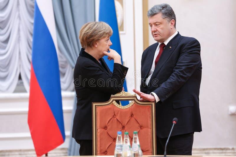 Angela Merkel und Petro Poroshenko lizenzfreie stockfotos