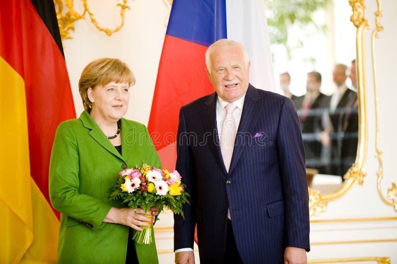 Angela Merkel und Václav Klaus lizenzfreie stockfotografie