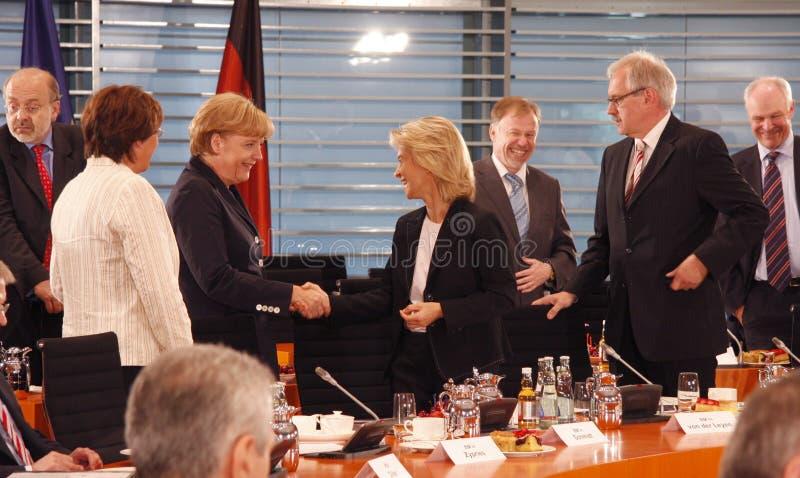 Angela Merkel, Ursula von der Leyen lizenzfreie stockfotografie