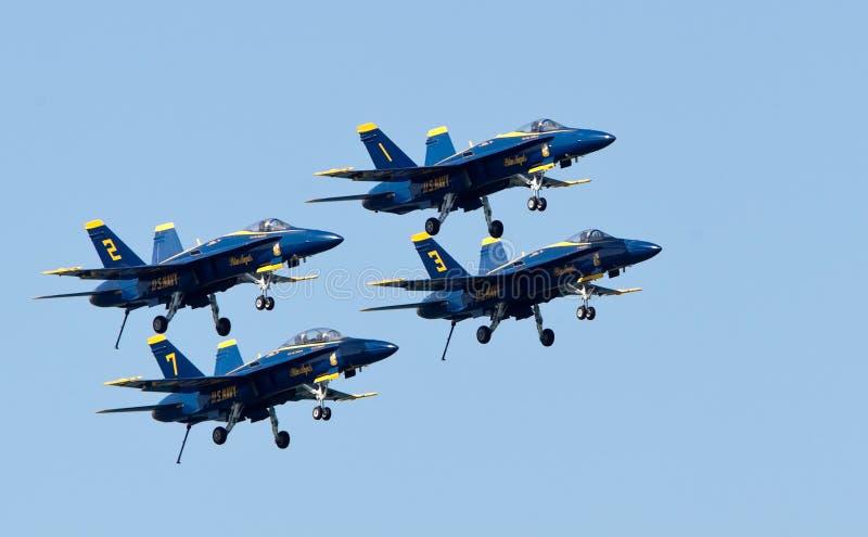 Angeli blu dello squadrone di dimostrazione del blu marino degli Stati Uniti fotografia stock