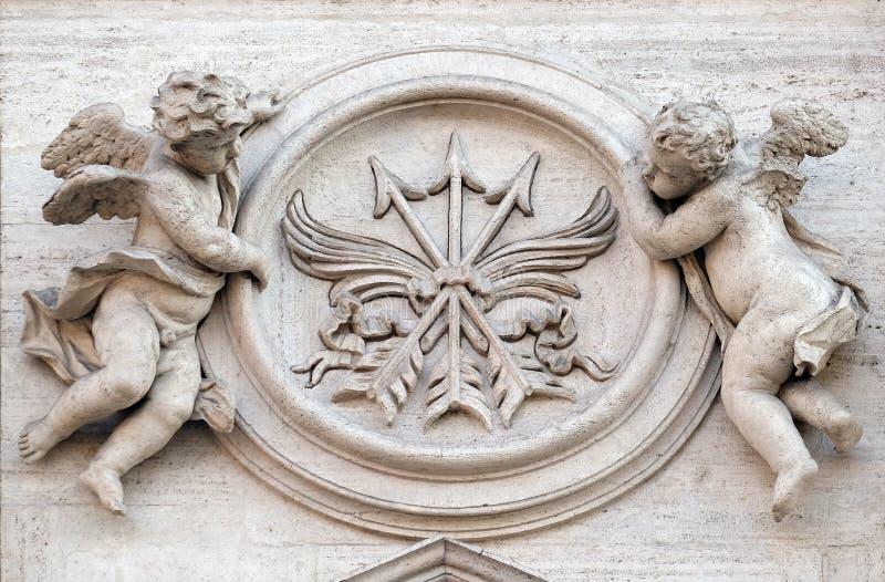 Angeli con i simboli di martirio fotografia stock