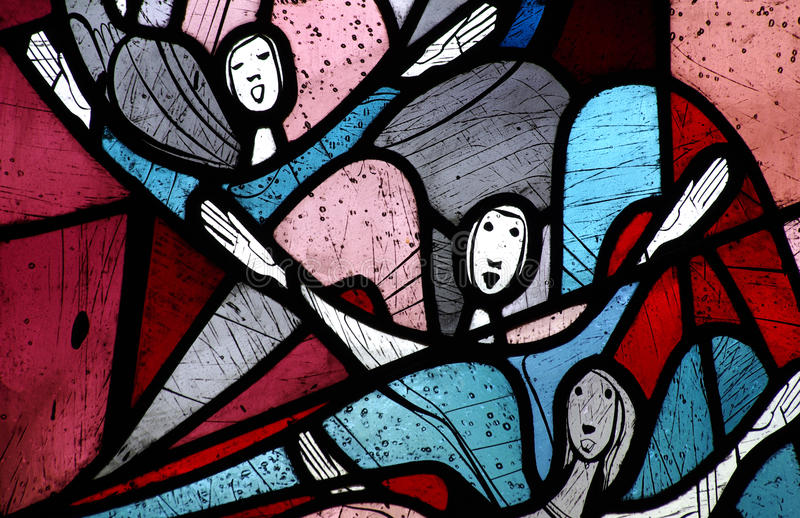 Angeli di canto in vetro macchiato fotografia stock libera da diritti