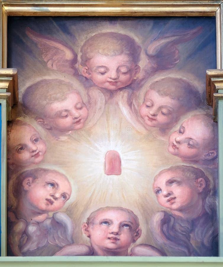 Angeli, pala nella basilica del cuore sacro di Gesù a Zagabria immagini stock
