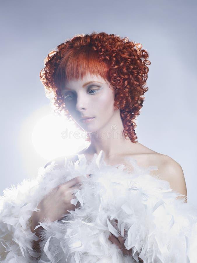 Angeliczka z czerwonymi włosami obrazy royalty free