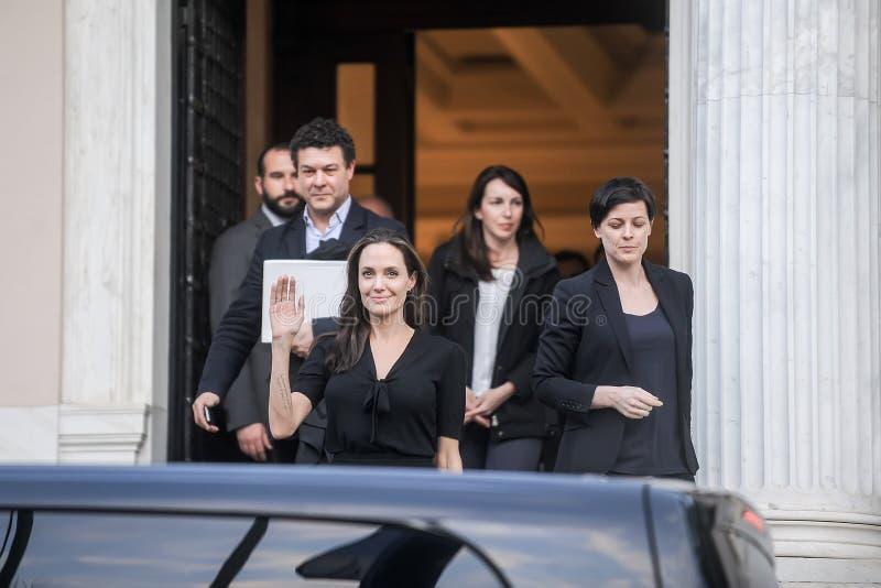 Angelina Jolie verlaat het bureau van de Griekse Eerste minister in Athen stock afbeeldingen