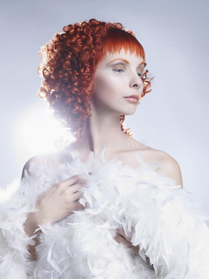 Angelisa med rött hår royaltyfri bild