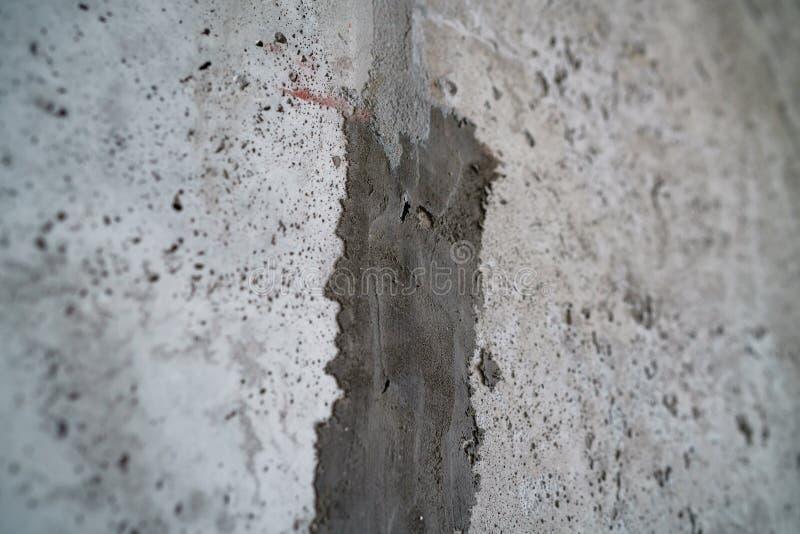 Angeln Sie Schuss der neuen Betonmauer mit flachem Fokus lizenzfreie stockfotos
