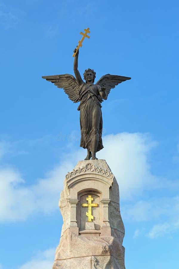 Angelo sulla cima del memoriale di Russalka a Tallinn, Estonia fotografia stock