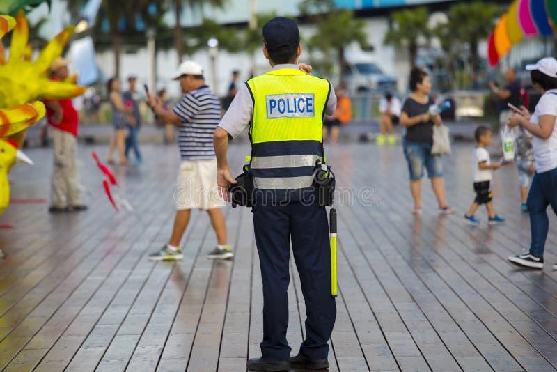 Angemessener Taiwan-Tempel, Sicherheits-Uhr, Polizei patrouillieren, Sicherheitsbeamte lizenzfreie stockfotos