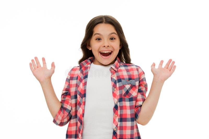 angenäm överrrakning Förvånar angenäma lyckliga förälskelser för ungen Barn förvånad leende isolerad vit bakgrund Lång ungeflicka royaltyfria bilder