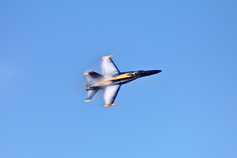 Anges bleus en vol à la semaine de flotte images stock