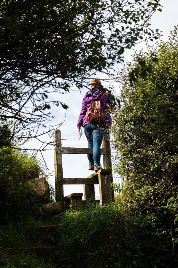 Angielski kraju przełaz z kobietą fotografia stock