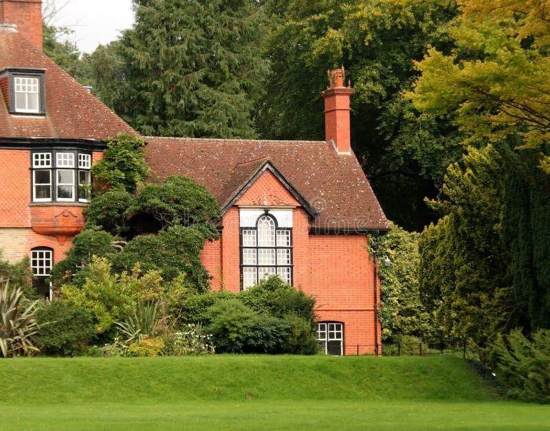 angielskiego ogrodu dom krajów zdjęcie stock
