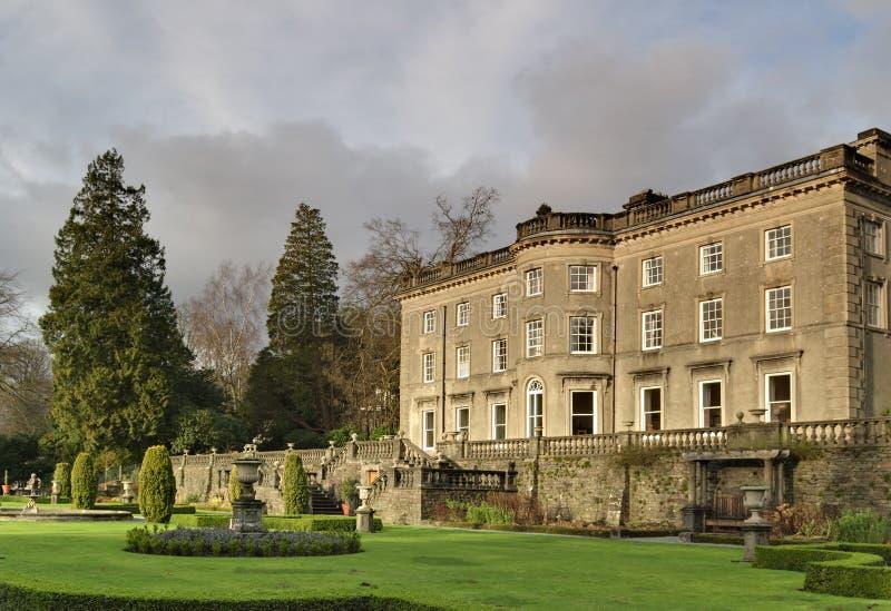 angielskiego ogrodu domu krajów dużych zdjęcie royalty free