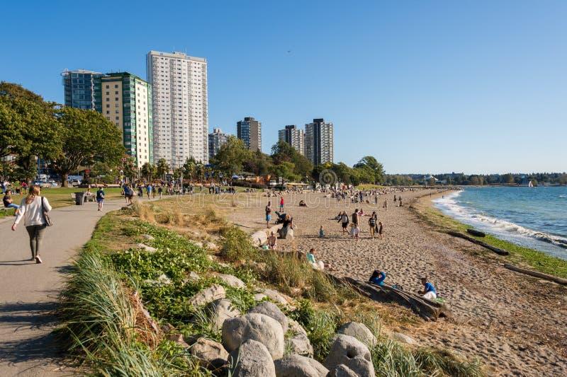 Angielszczyzny zatoki plaża w lecie Vancouver, Kolumbia Brytyjska, Kanada zdjęcia stock