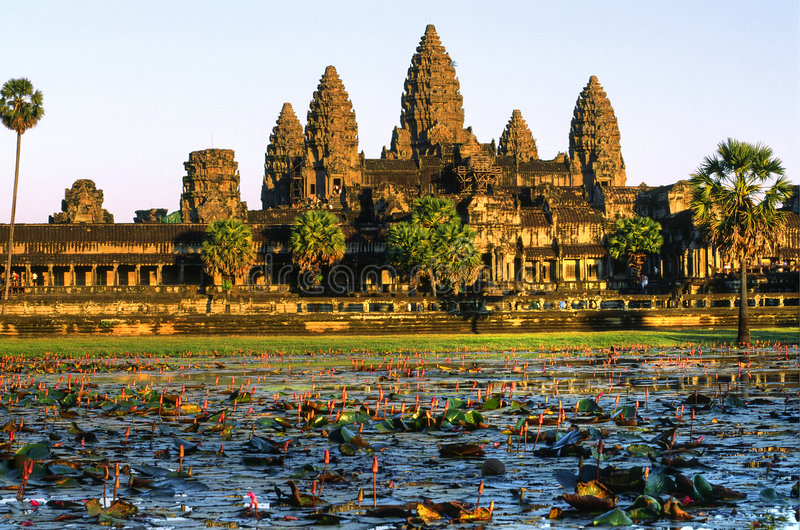 angkor柬埔寨日落wat 免版税库存图片
