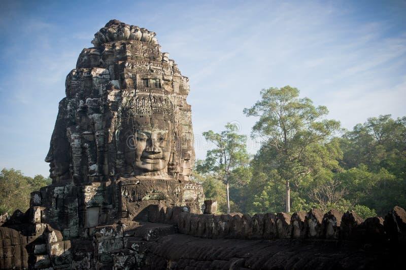 angkor bayon柬埔寨面对寺庙 免版税库存图片