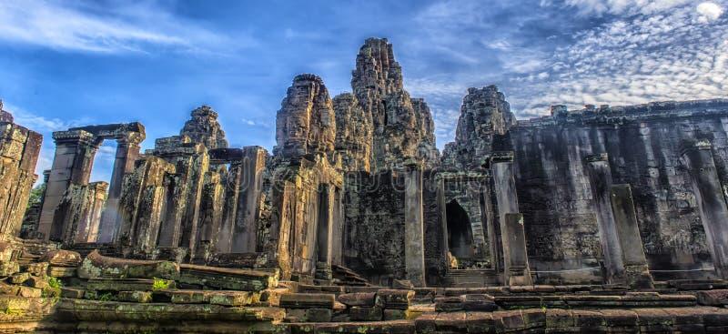 Angkor Thom - Bayon tempel fotografering för bildbyråer