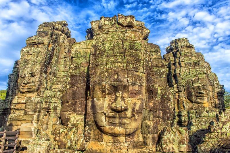 Angkor Thom - Bayon tempel royaltyfria bilder