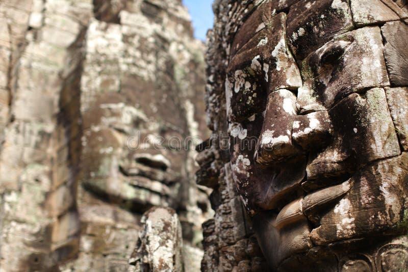 Angkor Thom Bayon tempel med stenframsidor, Cambodi royaltyfri fotografi