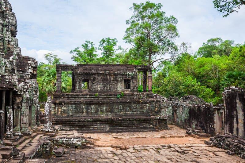 Angkor Thom Cambodia Templo do khmer de Bayon no historica de Angkor Wat imagens de stock royalty free