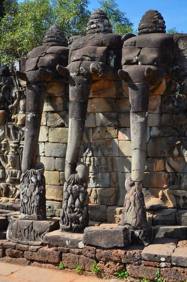 Angkor Thom (Cambodja) - terrass av elefanterna arkivfoton
