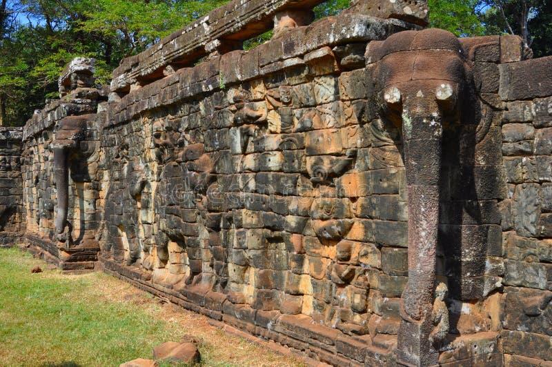 Angkor Thom (Camboya) - terraza de los elefantes fotografía de archivo libre de regalías