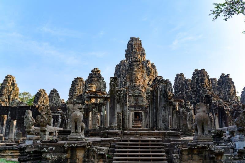 Angkor Thom en khmertempel, Siem Reap, Cambodja Angkor Thom var lasten och mest best?ende huvudstad av Khmerv?ldet fotografering för bildbyråer