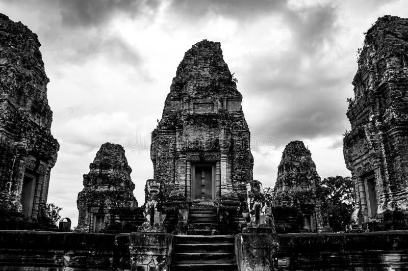 Angkor Thom Towering Majestically - förstörd härlighet fotografering för bildbyråer
