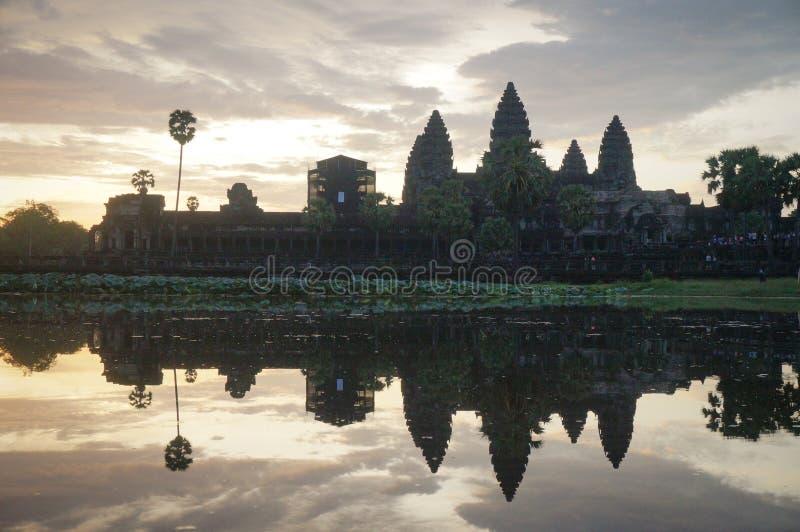 Angkor Wat è un sito di Herutage del mondo dell'Unesco dal 1992 Famoso per processo della costruzione del ` s e murali di scultur fotografia stock